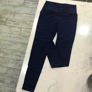 Full length Victoria secret yoga pants. Size M